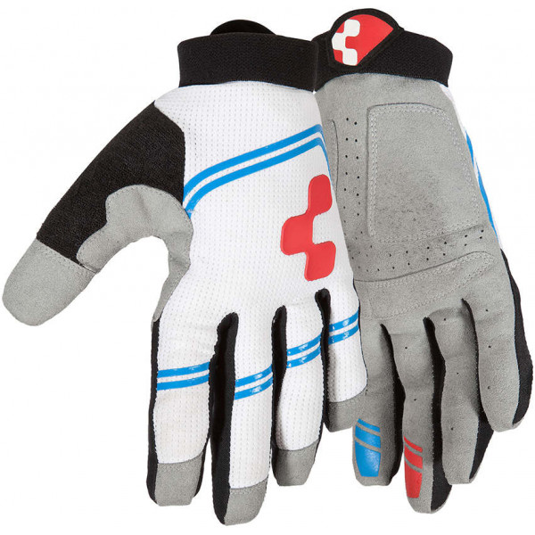 Cube Gloves Race